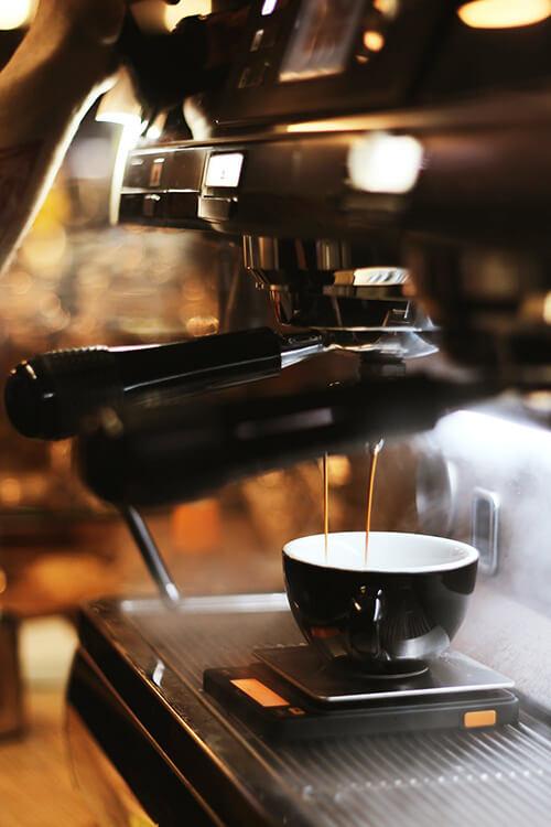 Kafeemaschine entkalken reinigen Cazami Kaffee